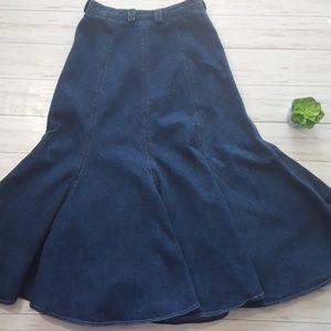 Liz Claiborne Skirts - Vintage Liz Claiborne denim maxi trumpet skirt